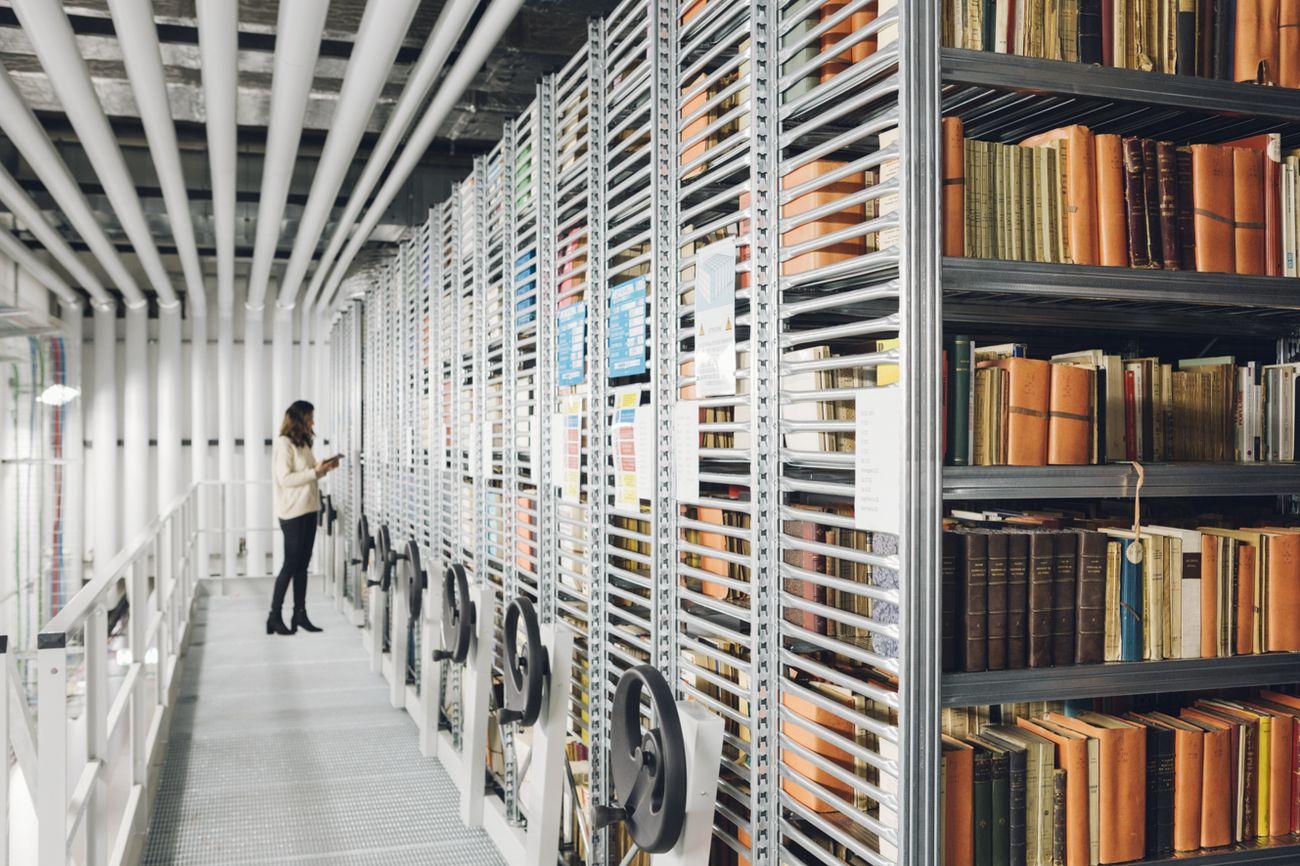 L'archivio della Fondazione Feltrinelli a Milano