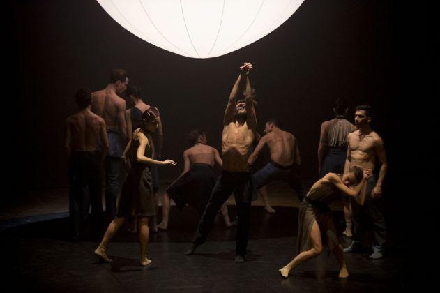 MM Contemporary Dance Company, Schubert Frames. Coreografia Enrico Morelli. Teatro Asioli, Correggio 2018. Photo Tiziano Ghidorsi