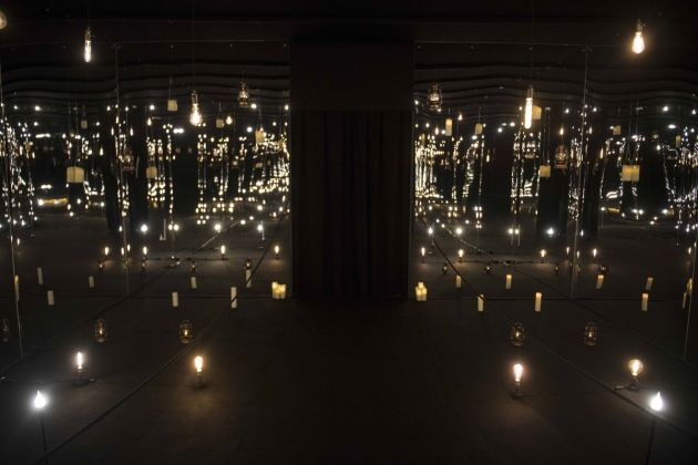 Nino Migliori, Infinity Room. Installation view at Maschio Angioino, Napoli 2018. Photo Marco Ghidelli