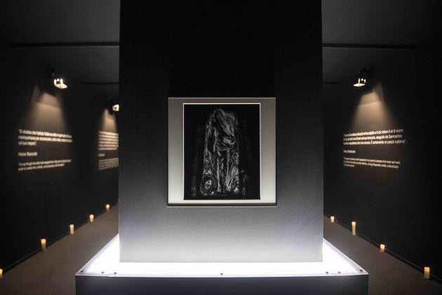 Nino Migliori. Lumen. Cristo velato. Installation view at Maschio Angioino, Napoli 2018. Photo Marco Ghidelli