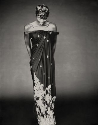 Shalimar Dress Autumn-Winter 1996 Haute Couture collection by Gianfranco Ferre - Model Naomi Campbell ® Paolo Roversi