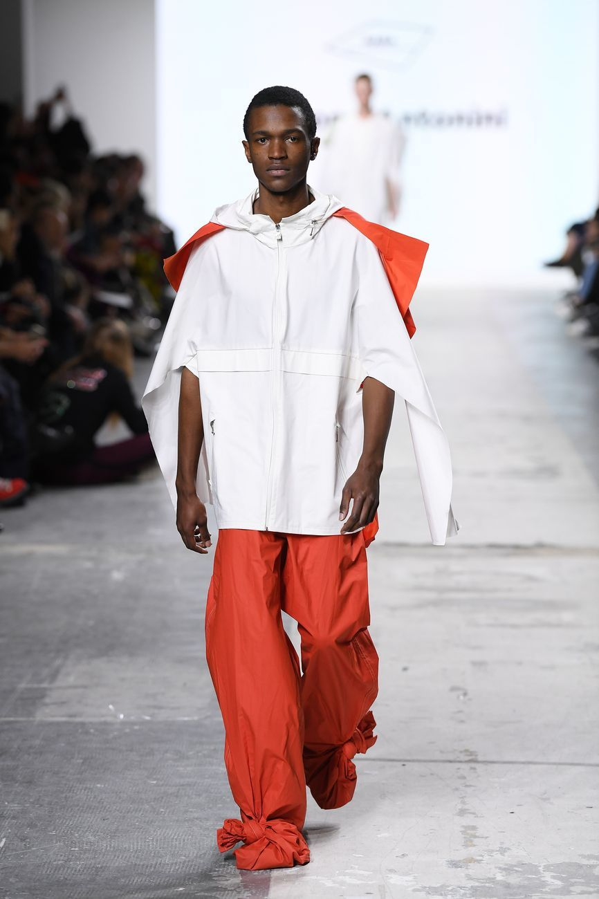 Moda simone antonini artribune for Fashion designer milano