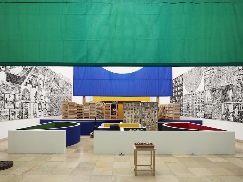 "Matt Mullican, Veduta della mostra, ""Matt Mullican: Organizing the World"", Haus der Kunst, Monaco, 2011, Courtesy dell'artista e Mai 36 Galerie, Zurigo, Foto: Jens Weber, Monaco"