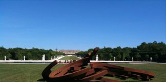 Bernar Venet, Versailles. Photo Claudia Zanfi