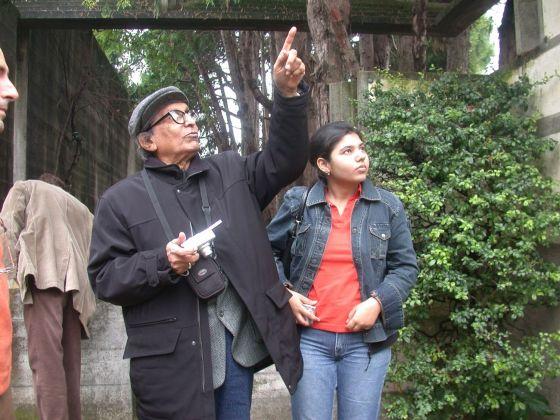 Doshi in visita alla Tomba Brion di Carlo Scarpa, 2005