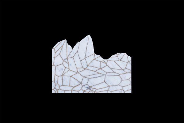 Ex Voto. Andreco, incisione e bronzatura su marmo, 2018. Photo (c) Mattia Morelli