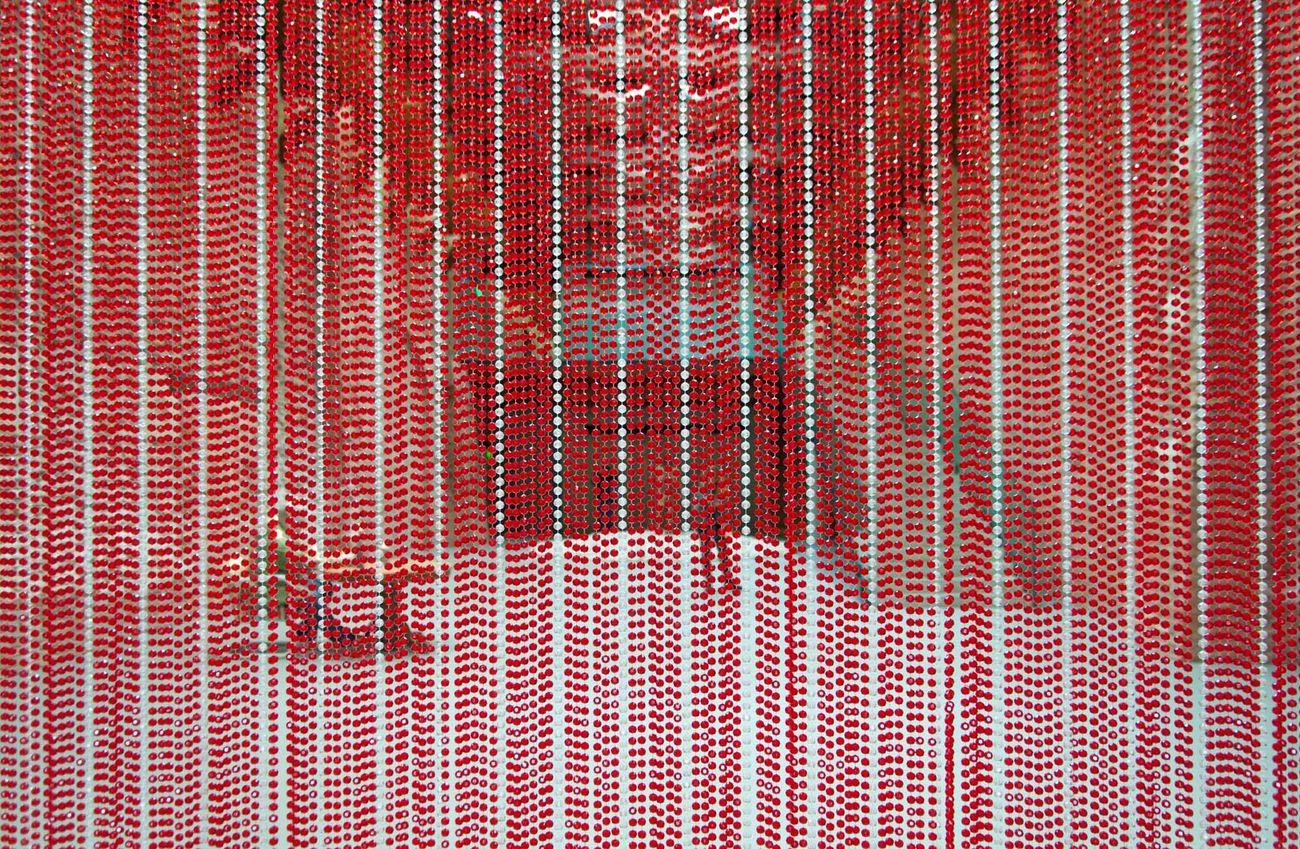 Félix González-Torres, Untitled (Blood), 1992. Photo Irene Fanizza