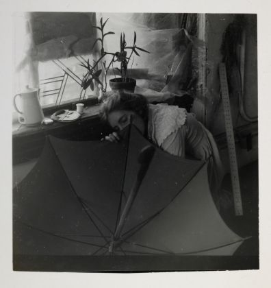 Francesca Woodman Untitled (FW Crouching Behind Umbrella)