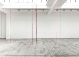 Fred Sandback. Exhibition view at Cardi Gallery, Milano 2018