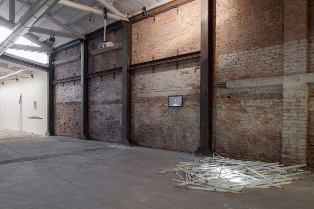 La Ginestra. Exhibition view at Galleria Alberta Pane, Venezia 2018. Photo Irene Fanizza