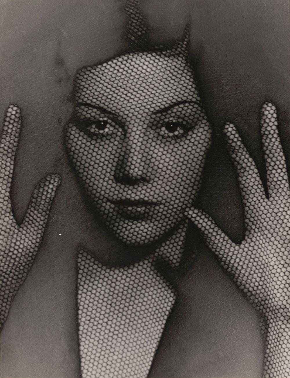 Man Ray, The Veil, 1930. The Museum of Modern Art, New York. © 2017. Digital image, The Museum of Modern Art, New York_Scala, Florenz. © MAN RAY TRUST_Bildrecht, Wien, 2017-18