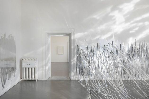 Monika Grzymala, Raumzeichnung (Konvex), 2018. Courtesy Eduardo Secci Contemporary, Firenze