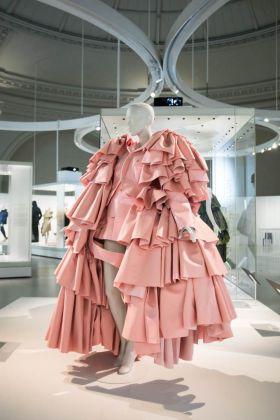 Mostra su Balenciaga al Victoria and Albert Museum