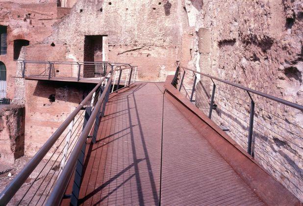Nemesi, Passerella pedonale, Mercati Traianei, Roma, 1999. Photo (c) Luigi Filetici