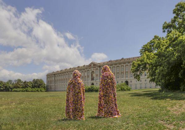 Vinci Galesi, La terra dei fiori (Giardini), 2017. Photo Mariano De Angelis. Courtesy of the artists & aA29, Milano Caserta