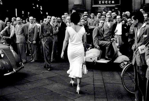 Mario De Biasi, Gli Italiani si voltano, 1954, copyright Archivio Mario De Biasi