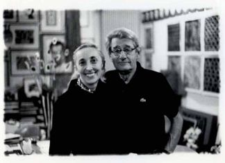 Carla Sozzani and Helmut Newton in her Studio, Milano 1999, copyright Lorenzo Camocardi, courtesy Fondazione Sozzani