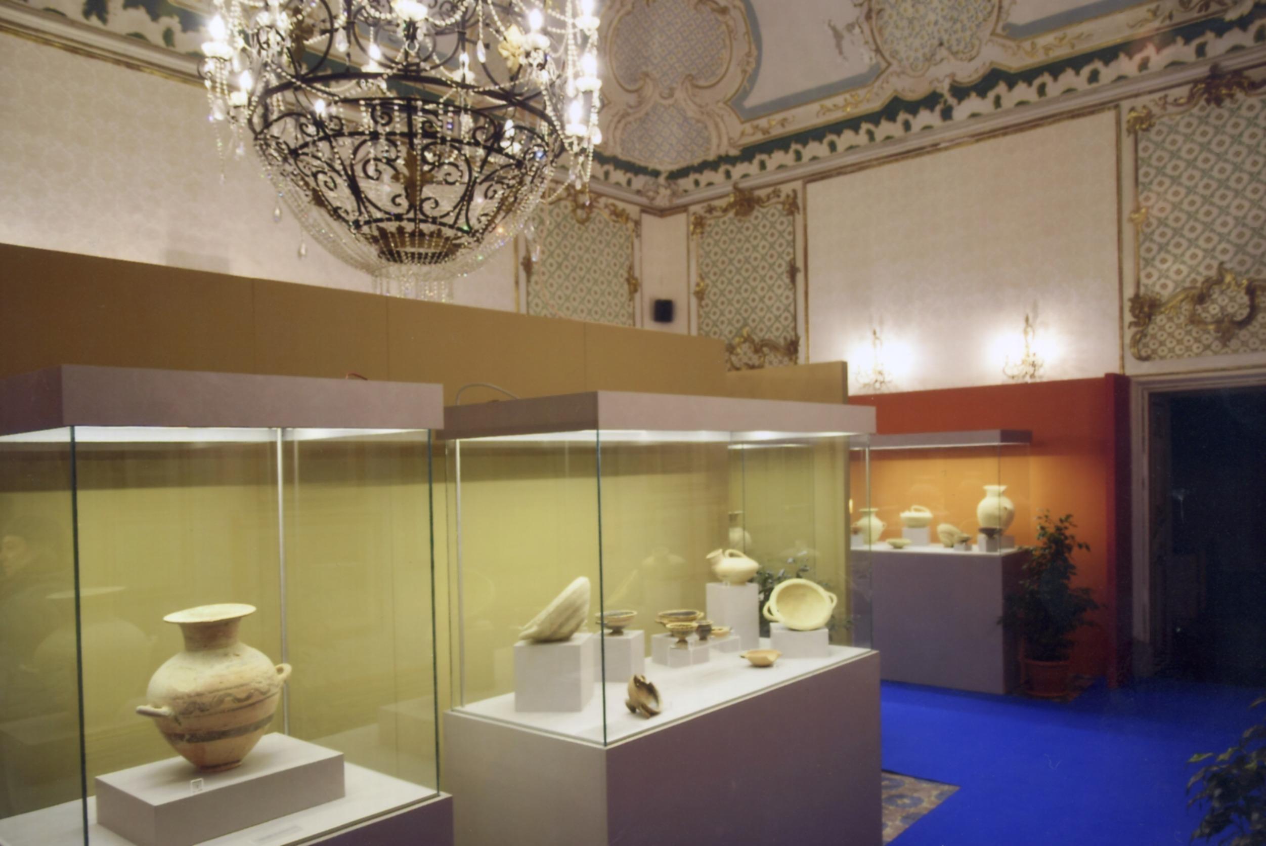 Lavoro A Chiaramonte Gulfi allestimento della sezione archeologica dei musei civici di