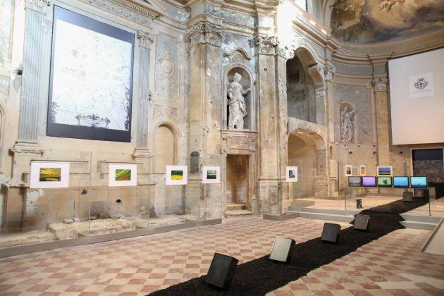 Franco Fontana & Davide Coltro. Terre piane. Exhibition view at Chiesa di San Quirino, Parma 2018