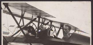 Attilio Prevost, Gabriele D'Annunzio e Natale Palli in partenza per il Volo su Vienna, 9 agosto 1918. Archivio Lari Prevost – Museo Nazionale del Cinema di Torino