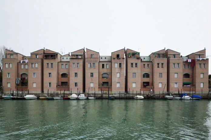 Gino Valle, Complesso residenziale alla Giudecca, Venezia, 1984-86. Photo © Tibor Bielicky