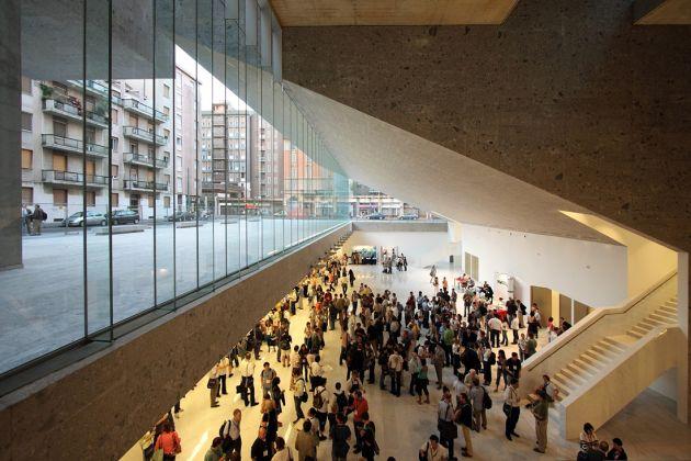 Grafton Architects, Freespace undercroft, Università Luigi Bocconi, Milano 2008