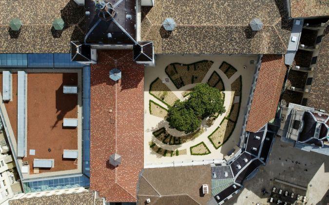 Grand-Hôtel-Dieu_crédit-Vincent-Ramet-Vue-aérienne-Cour-du-Cloitre