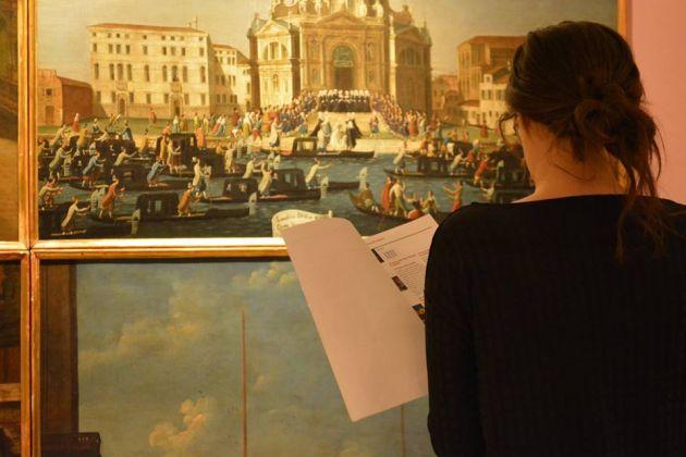 In visita al museo