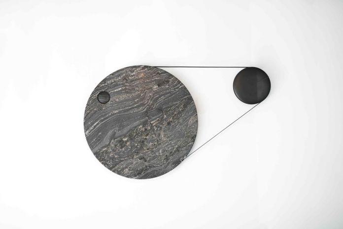 Le French Design Speed Dating Exhibition. Institut Français, Milano 2018. YMER&MALTA per Margaux Lafond, Horloge à courroie © Marwen Farhat