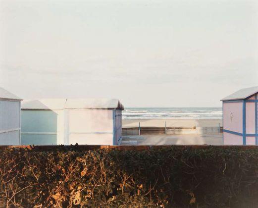 Luigi Ghirri, Riccione, 1984. Courtesy Collezione Fotografia MAXXI Architettura