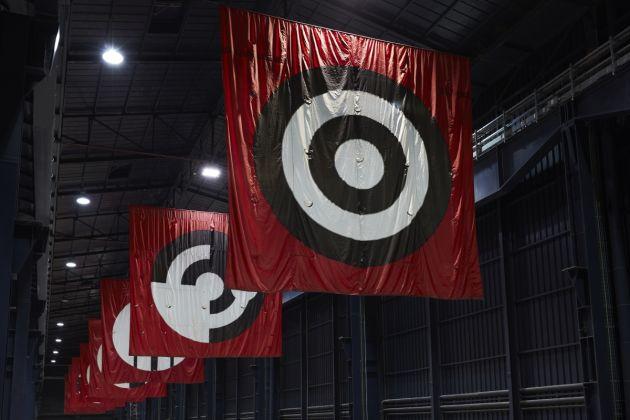 Matt Mullican, 5 Worlds 12 Benches, 2013. Installation view at Pirelli HangarBicocca, Milano 2018. Courtesy of the artist, Mai 36 Galerie, Zurigo e Pirelli HangarBicocca, Milan. Photo Agostino Osio