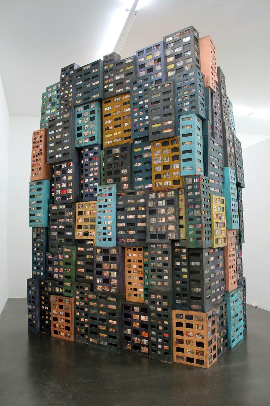 Tracey Snelling, Tenement Rising, 2016. Aeroplastics Contemporary, Bruxelles