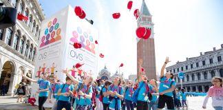 Alcune immagini dalla performance di Marinella Senatore a Venezia insieme a mille bambini. Ph Davide Carrer