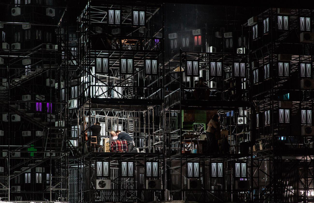 Àlex Ollé, La boheme. Photo Yasuko Kageyama. Opera di Roma, 2017 18