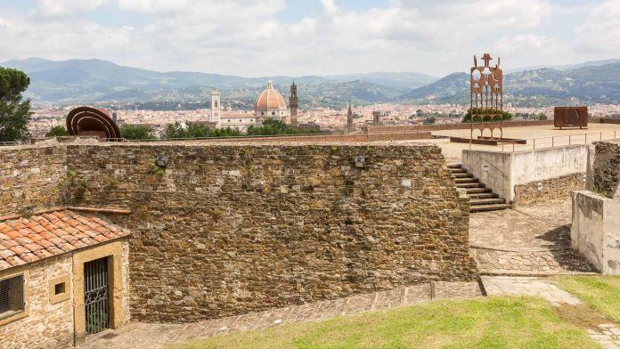 Eliseo Mattiacci, Mostra Gong, Forte di Belvedere, Firenze. Ph Simona Fossi