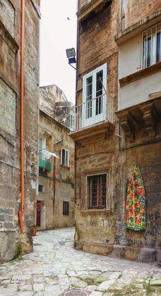 Taranto Opera Viva, decoro su relitto di canoa