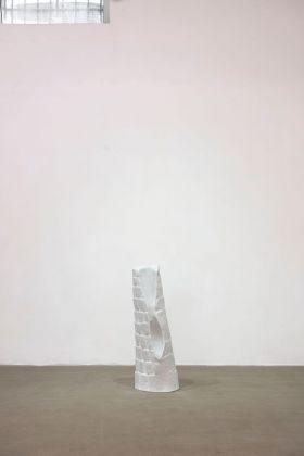 Alicja Kwade, Support (Atleta), 2018. Fondazione Giuliani, Roma 2018. Courtesy the artist & König Galerie, Berlino Londra. Photo di Giorgio Benni
