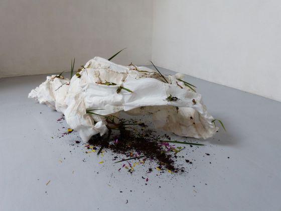 Andrea Barbagallo. Body ache. Installation view at Dimora Artica, Milano 2018