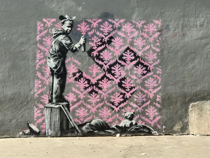 Un murales di Banksy a Parigi