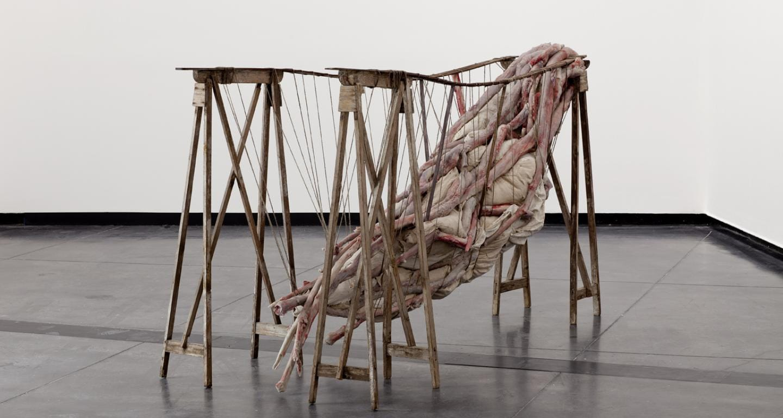 Berlinde De Bruyckere, Inside me III, 2012. Courtesy l'artista, Hauser & Wirth e Galleria Continua