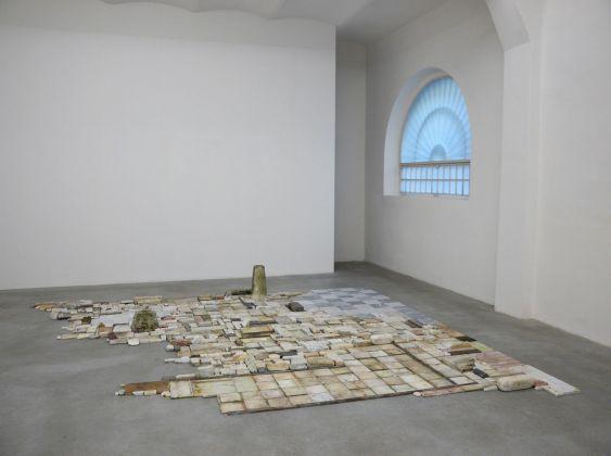 Chiara Camoni, certe cose, 2012, exhibition view, SpazioA, Pistoia
