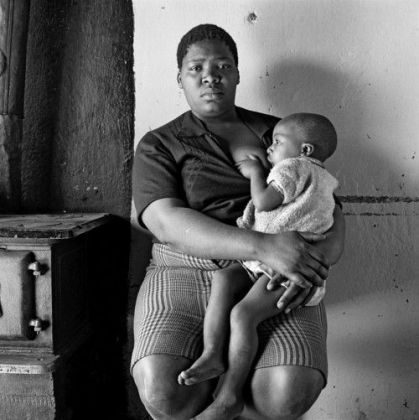 David Goldblatt, Queen Monyeki in her kitchen, 1388A White City, Jabavu, Soweto