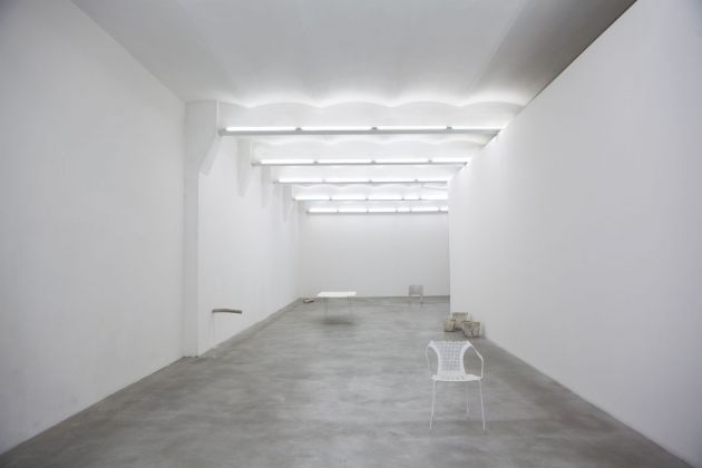 Giulia Cenci, La terra bassa, 2014, exhibition view, SpazioA, Pistoia