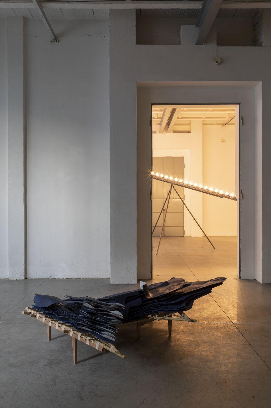 Giuseppe Gabellone. Exhibition view at Galleria Zero…, Milano 2018. Courtesy the artist & Galleria Zero… Milano. Photo Roberto Marossi