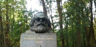 Highate Gardens, Londra. La Tomba di Karl Marx. Photo Claudia Zanfi