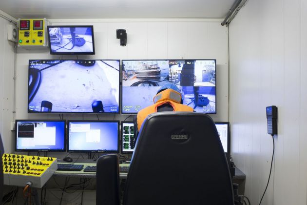 Norwegian University of Science and Technology NTNU, test tecnico per veicoli sottomarini a comando remoto, Trondheim, Norvegia. © Armin Linke, 2016 in collaborazione con Giulia Bruno