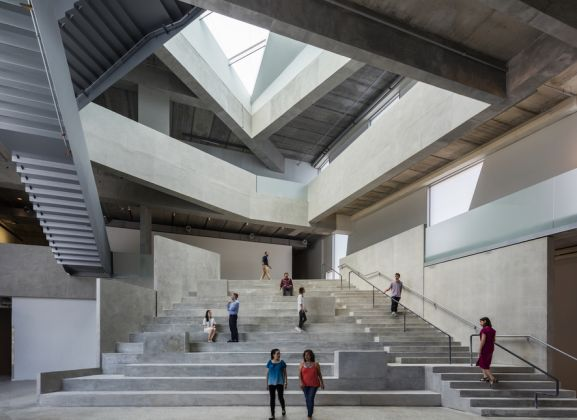 Interior view; the forum of the Glassell School of Art by Steven Holl Architects. Photograph © Richard Barnes