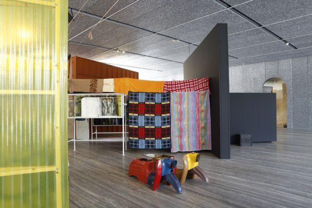 """Immagine della mostra """"John Bock: The Next Quasi-Complex""""FotoJacopo Farina18 luglio–24 settembre 2018, Fondazione Prada, Milano, Courtesy Fondazione Prada"""