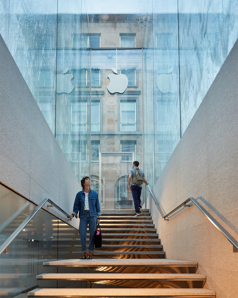 Norman foster firma il nuovo apple store a milano artribune for Shop milano