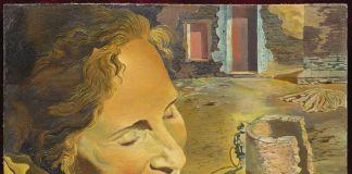Salvador Dalí. Retrat de Gala portant dues costelles en equilibri sobre la seva espatlla, c. 1934. Fundació Gala-Salvador Dalí, Figueres. © Salvador Dalí, Fundació Gala-Salvador Dalí, VEGAP, Barcelona, 2018.